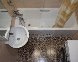 Фото ремонта ванной комнаты: Керамический проезд